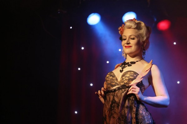 2e1ax_vintage_entry_Burlesque_idol_jojos_SharonCooper.co.uk_0018