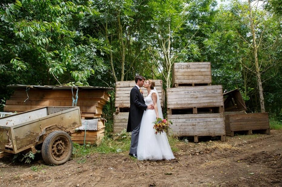Farm_festival_wedding_bride_groom