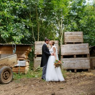 Farm_festival_wedding_bride_groom