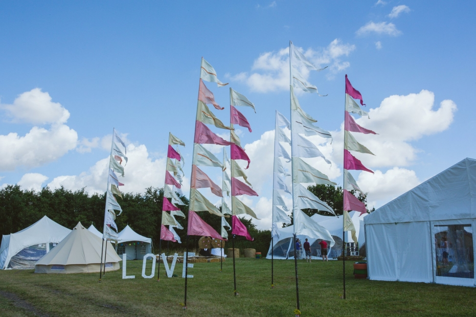 Clophill-centre-festival-wedding_0002