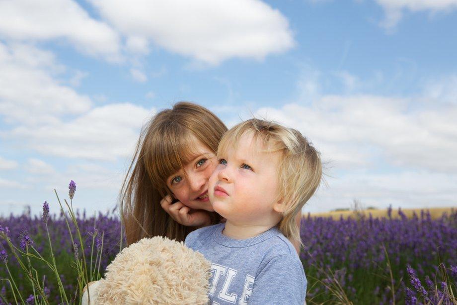 Hitchin_Lavender_Children_Playing_Sharon_Cooper_0008