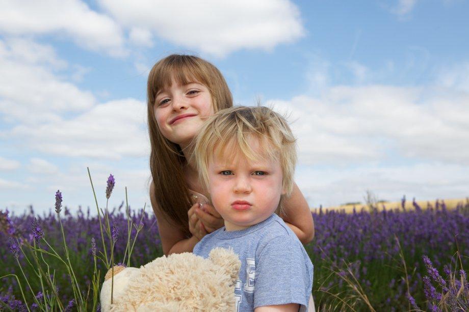 Hitchin_Lavender_Children_Playing_Sharon_Cooper_0009
